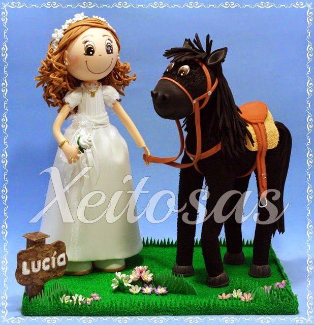 Fofucha comunión con caballo en goma eva