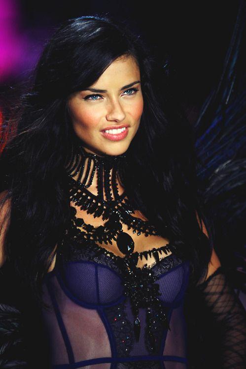 Adriana Lima ♥ hair colour