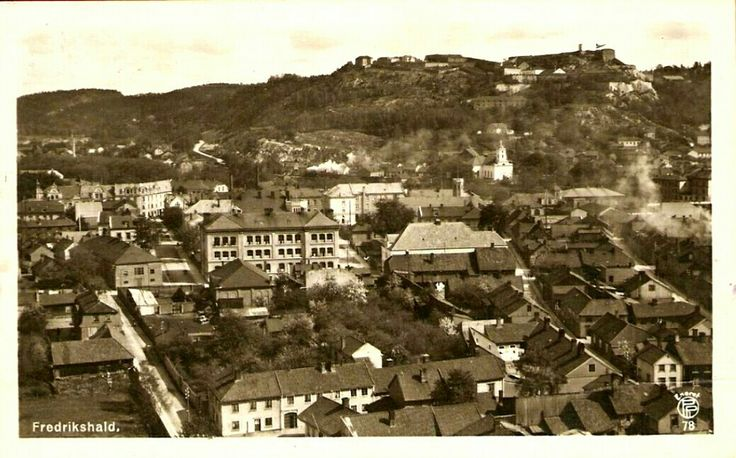 Østfold fylke Halden kommune Fredrikshald  utsikt over byen Utg Oppi brukt 1922
