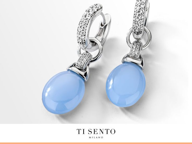 With this new lavender blue earcharms you bring a touch of colour to your outfit.