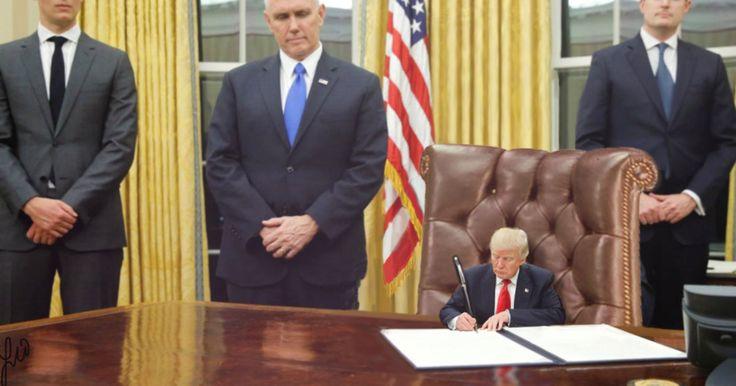 Pour moquer l'attitude puérile du président américain, de nombreux internautes s'amusent à retoucher ses photos avec le mot-clé #TinyTrump.