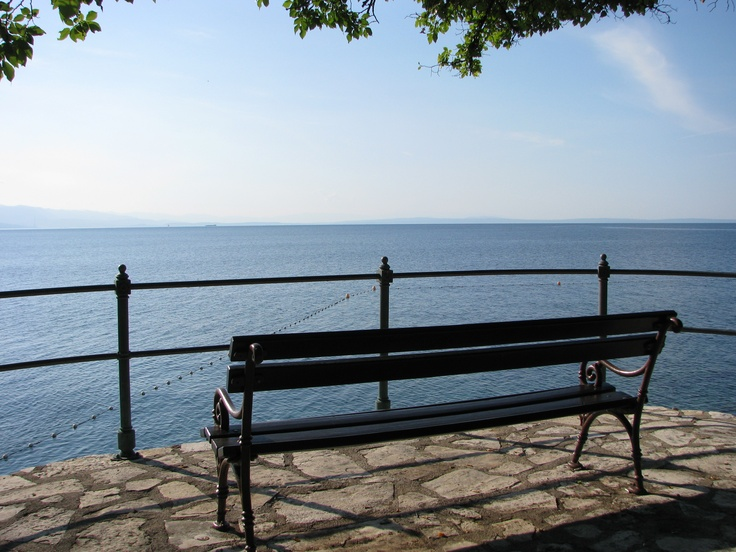 bench looking out onto the Kvarner (Cres) on the Franz Joseph walk along the coast between Volosko and Opatia and beyond. Take your book, sit down and breathe... That's called living!