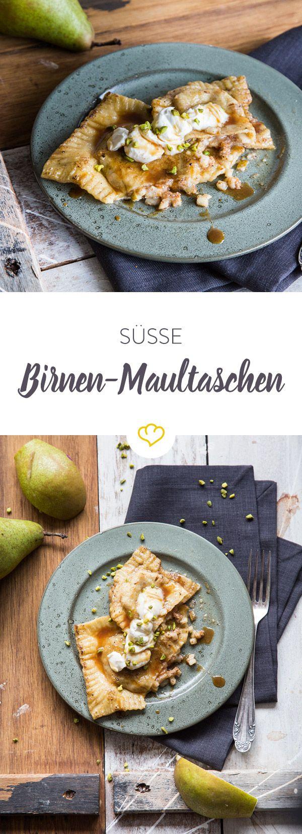 Vom deftigen Klassiker zum kleinen, feinen Dessert. Mit Birnen-Nuss-Füllung und Karamellsauce zeigt sich die Maultasche hier von ihrer süßen Seite.