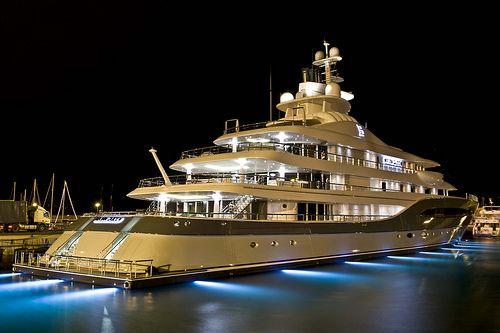 Super Yacht - MAYAN.. #PhotoOfTheDay. #YachtSpot
