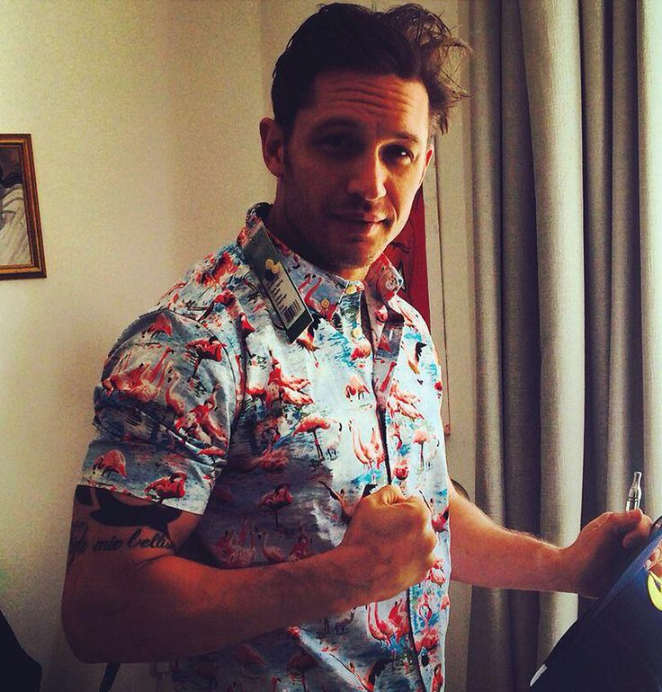 Tom Hardy rockin the hell outta that shirt