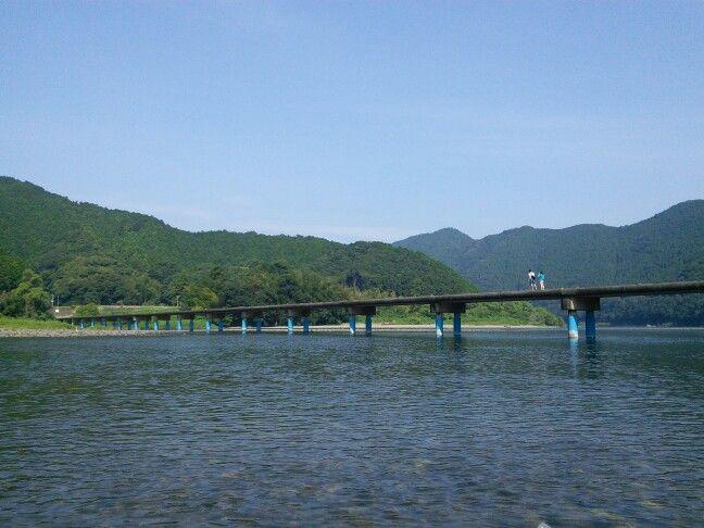 佐田沈下橋は四万十市、高知県にあります。Sada tinka bashi.