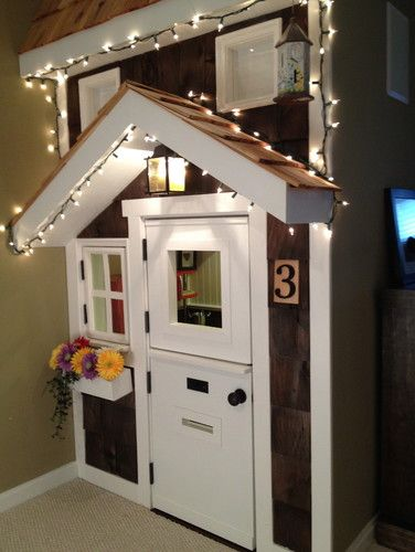 Kids' Playhouse (under stairs) - traditional - kids - dc metro - kdins31