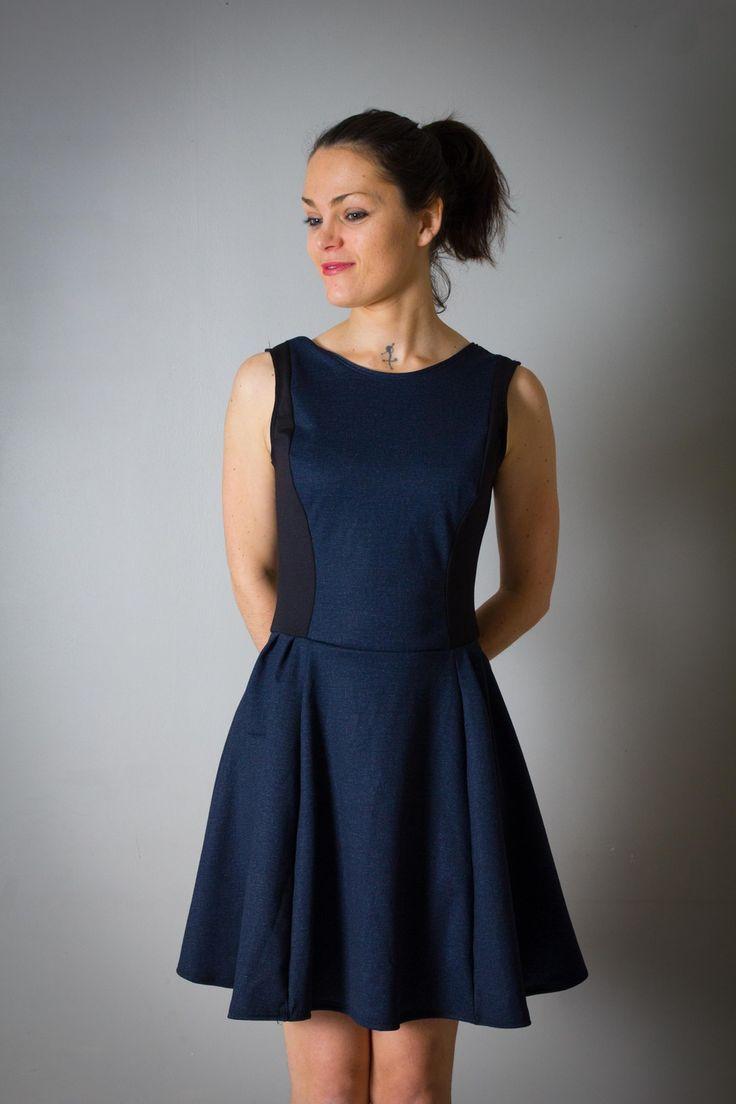 """Robe pour femme """"Marilyn"""", cintrée et évasée, noire et Jean bleu, décolleté V profond au dos. : Robe par all-by-k"""