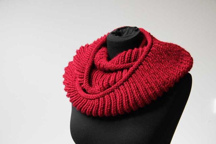 Návod na ručně pletený luxusní a velmi hřejivý dámský nákrčník / Free knitting pattern for womens luxury infinity scarf - shawl