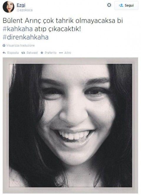 """Centinaia di donne in Turchia hanno protestato su Twitter contro il vice premier Bülent Arinç, che ha asserito durante un meeting che le donne turche si sono fatte coinvolgere dalla dirompente """"corruzione della moralità"""". Secondo Arinç, infatti, la donna 'casta' n"""