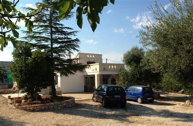 1 Bedroom Cottage a Monopoli partire da € 517/settimana. With Solarium, balcone/terrazza, Camino e TV.