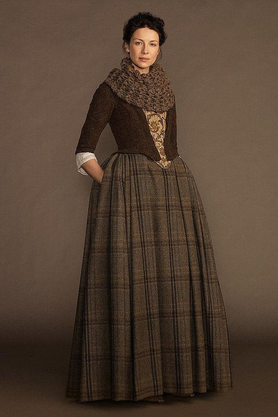 18th+Century+Claire+Fraser+Lady+Broch+Tuarach+by+DesignsFromTime