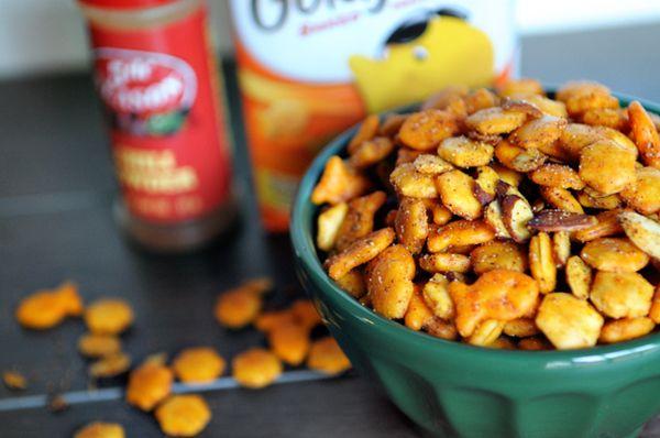 cheesy fajita spiced snack mix AND chewy homemade granola bars!