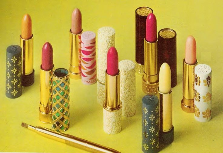 Wow! Vintage Avon lipsticks from the '60s and '70s! They're kinda amazing! :) To checkout Avon current lipsticks, go to www.youravon.com/lisasalyers