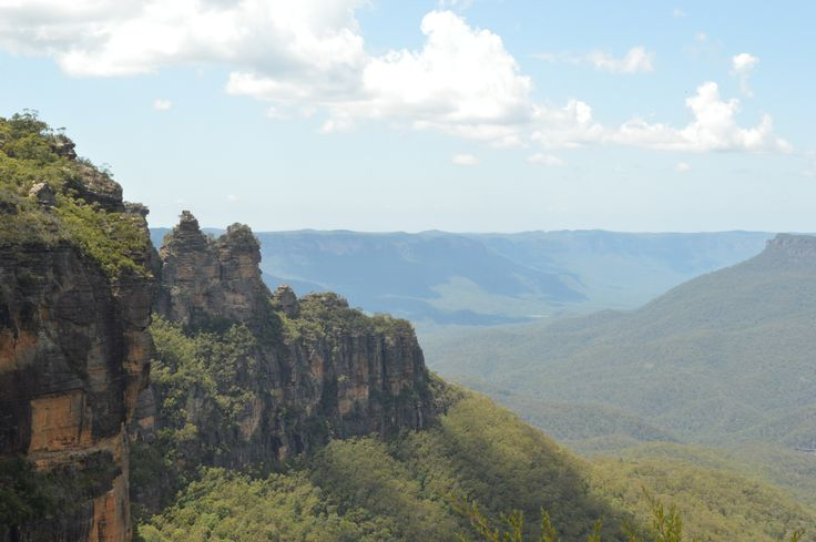 *gasps* Blue mountains