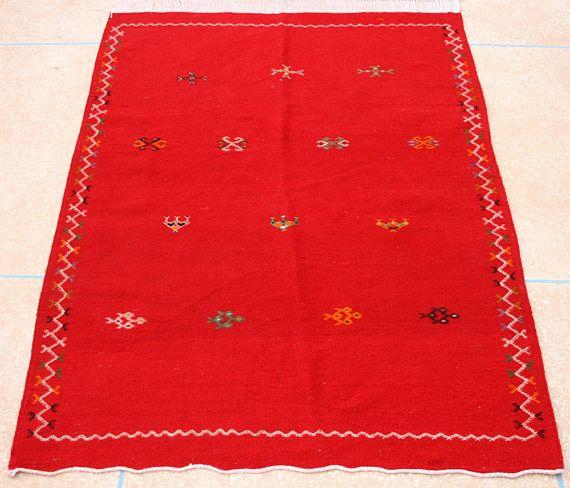 Roter Kelim Teppich, Bestickter Kelim Teppich, Teppich, Marokkanischer Teppich, Wandbehang, 100 x 150