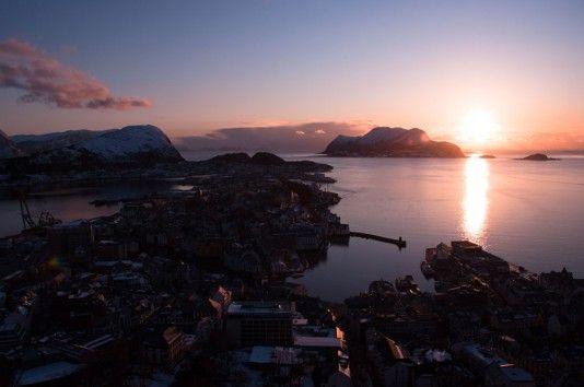 Solnedgang over Ålesund