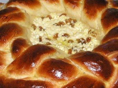 http://www.rounite.com/images/pasca.jpg Pasca -  a very good desert for Easter celebration