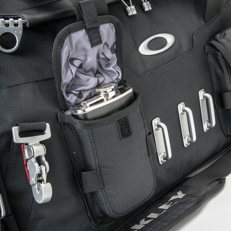 ae955338b6 Oakley Hot Tub Duffel Bag « Heritage Malta