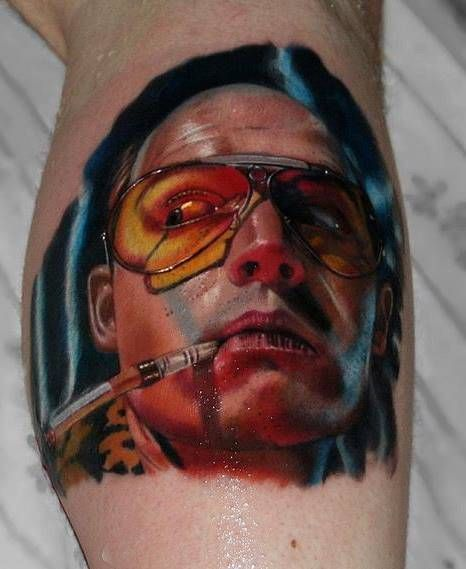 "Tatuaje inspirado en la película ""Miedo y asco en Las Vegas."""