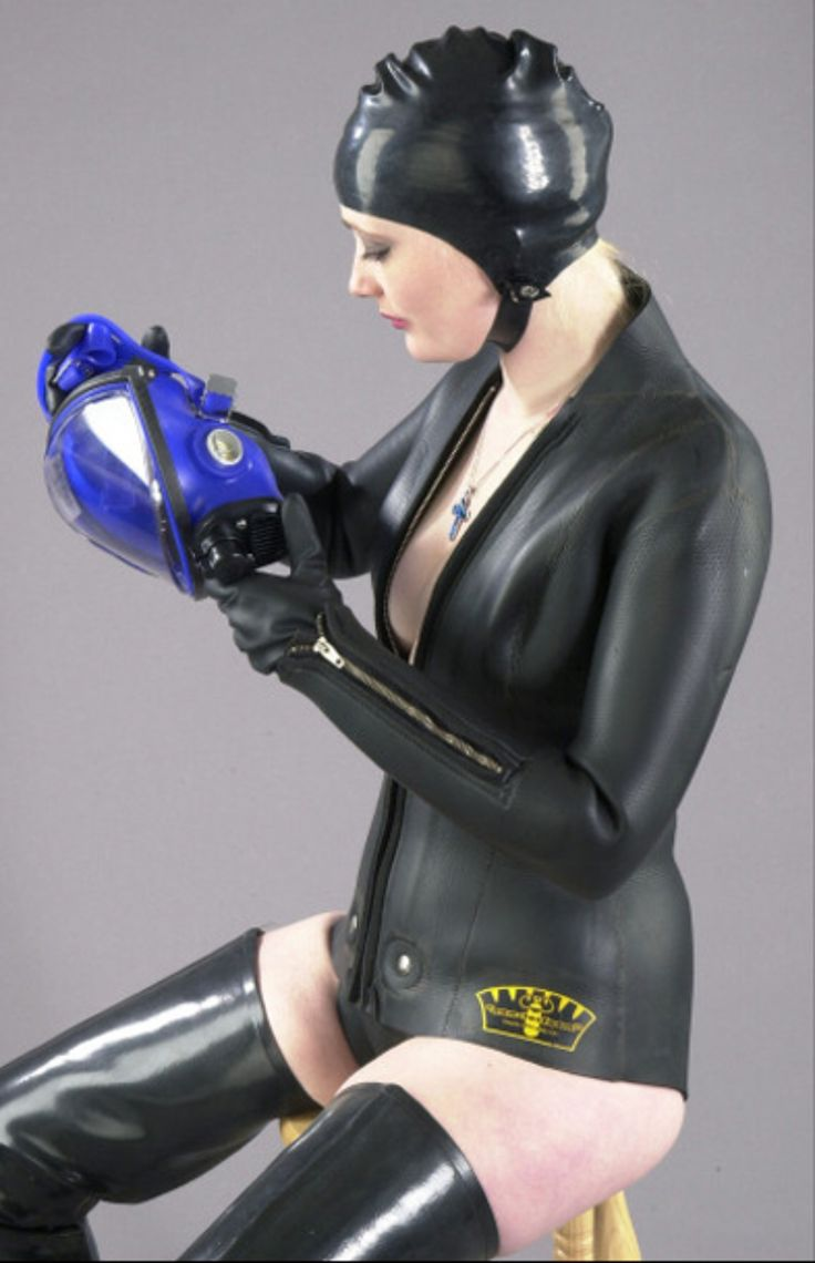image Cum protection mask at the gloryhole