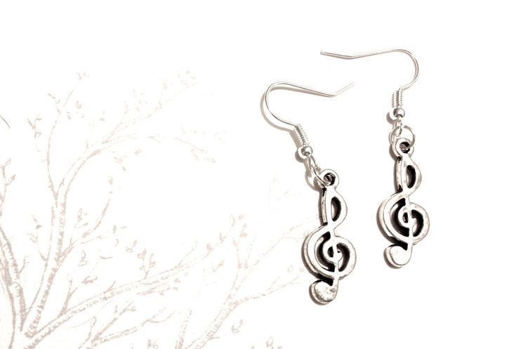 #trebleclef #musicnote #musicalnote #charm #charmearrings #earrings #charms #etsyuk #etsyearrings #music #musical #silverearrings   A personal favourite from my Etsy shop https://www.etsy.com/uk/listing/216466980/music-note-earrings-treble-clef-musical