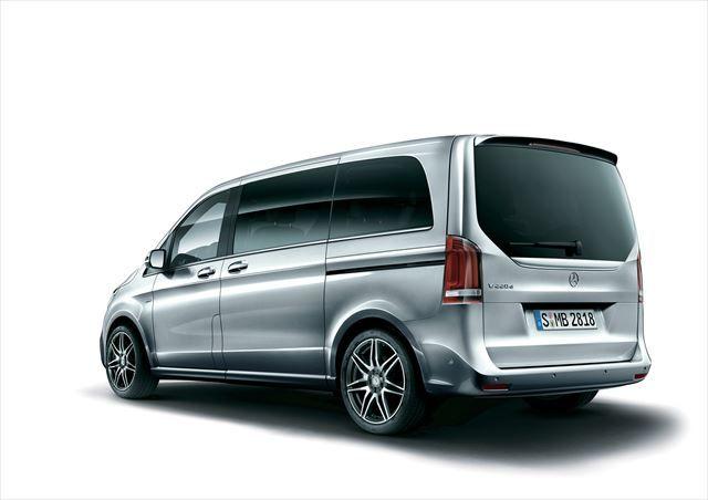 """SUVや軽自動車とともに、国内自動車市場の売れ筋となっているミニバン。しかし、国産ミニバンには多くのタイプが用意されているが、輸入ミニバンはモデルが少なく、その選択肢は数えるほどしかない。そんななかで、約20年前にヨーロッパのミニバンとして初めて日本に導入され、""""プレミアムミニバン""""というカテゴリを確立したのがメルセデス・ベンツ『Vクラス』である。この『Vクラス』のラインナップに、新グレードの「V220 d Sports」が登場。内外装に""""AMGライン""""を採用したスポーティな『Vクラス』となっている。"""