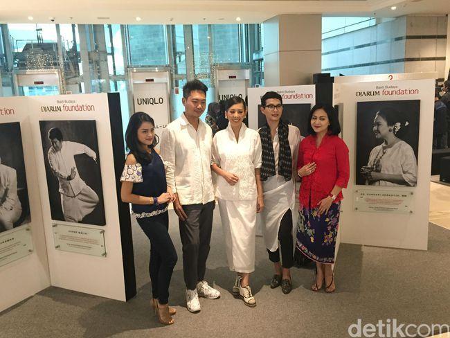Tantangan Oscar Lawalata Desain Busana untuk 100 Seniman Indonesia - Detikcom