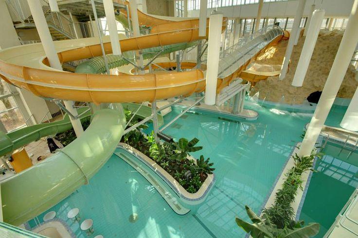 A Gyulai Várfürdő családi élményfürdője, az AquaPalota