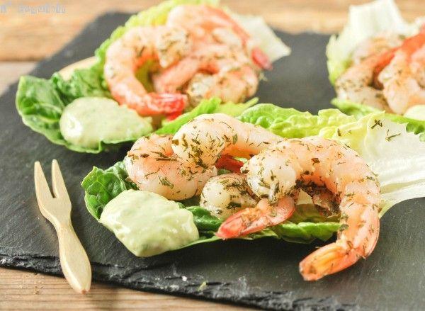 Marinated shrimps with avocado dip