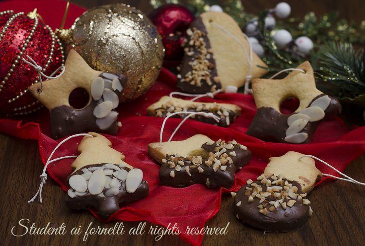 Biscotti di Natale da appendere all'albero
