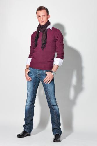 Look Trendy - Guys in Jeans Gallery [Slideshow]
