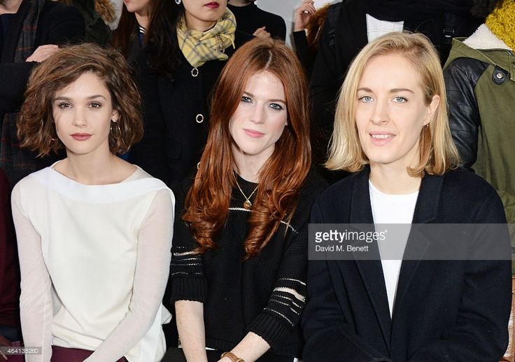 to R Sai Bennett Rose Leslie and Polly Morgan attend the Pringle of... ニュース写真   Getty Images