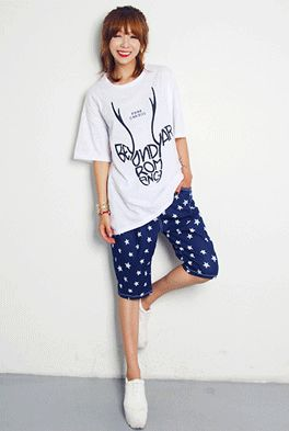 Today's Hot Pick :Deer Horn Print T-Shirt http://fashionstylep.com/SFSELFAA0001843/happy745kren/out High quality Korean fashion direct from our design studio in South Korea! We offer competitive pricing and guaranteed quality products. If you have any questions about sizing feel free to contact us any time and we can provide detailed measurements.