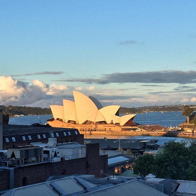 Sensational Sunday sunset over Sydney!#theglenmore #operahouse #sunday #sunset