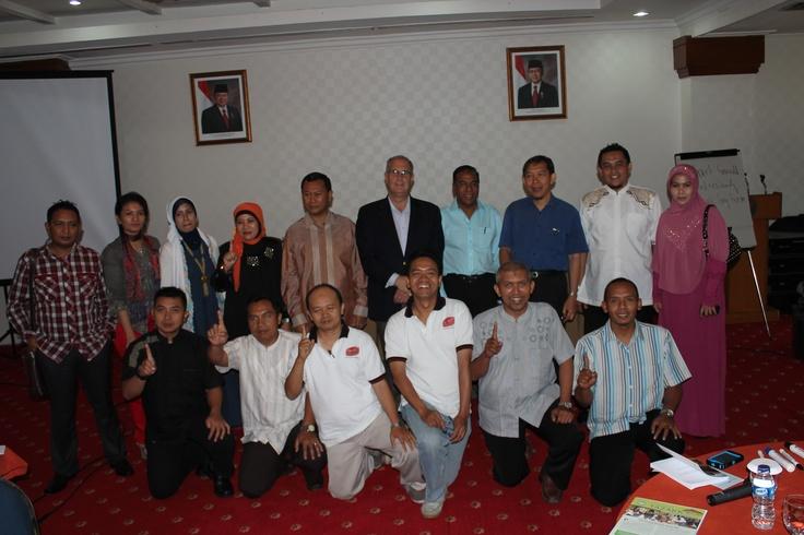 Pengusaha dari Surabaya dan Kediri dalam sharing bisnis bersama Mr. Randy from Amerika