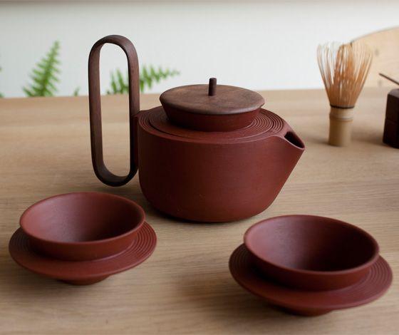 'Aureola' tea set by Luca Nichetto and Lera Moiseeva for Mjölk (CA) - http://www.dailyweddingideas.com/architecture/aureola-tea-set-by-luca-nichetto-and-lera-moiseeva-for-mjolk-ca.html