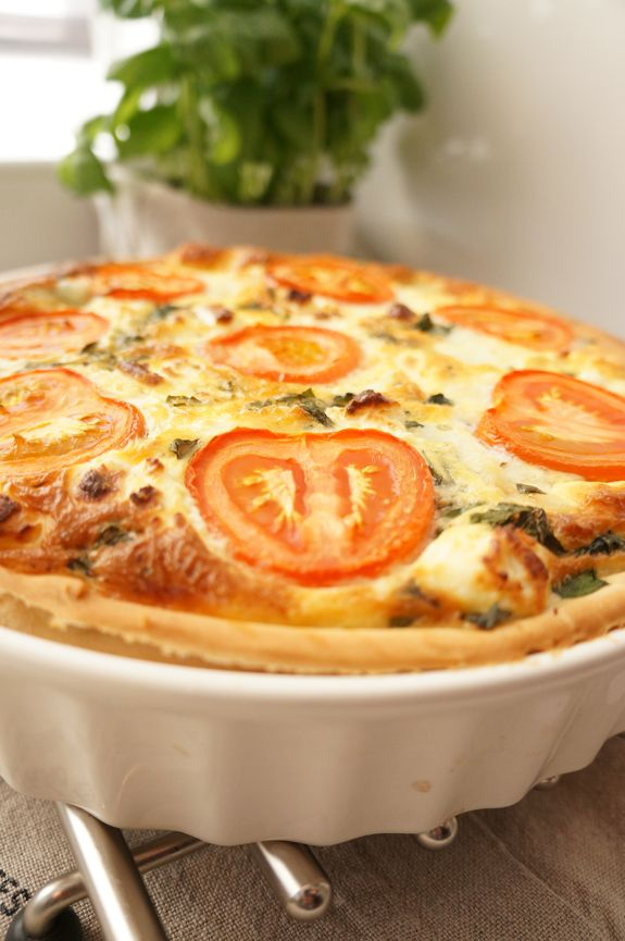 Recept voor hartige taart met geitenkaas, mozzarella en spinazie - quiche recipe with goat cheese, mozzarella and spinach www.bekentenissenvaneenzoetekauw.nl