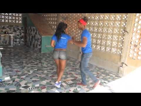 This is the first choreography of La Alemana and Ataca Jorgie, and has become a viral hit on Youtube. Bachata has become a worldwide sensation to dance. Subs...