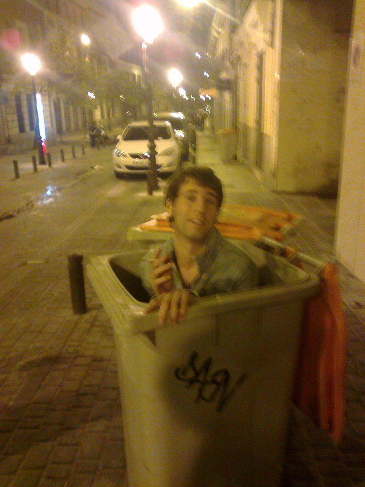 Después de tocar en Madrid acabe aqui, a lo Diogenes!