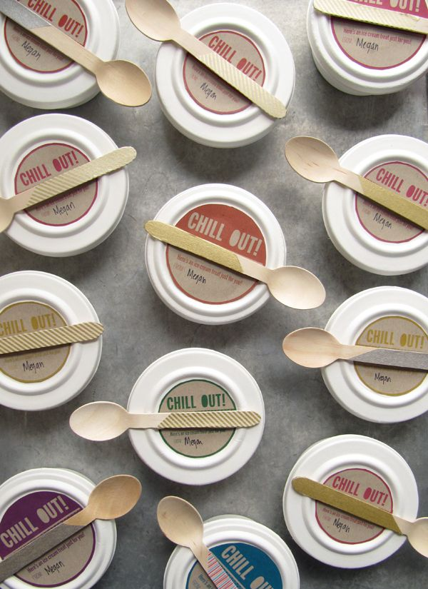 the use of the cardboard makes the brand name and colours stand out. (<3 wooden spoon)