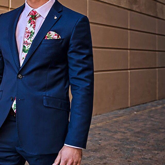 sunny-apparel.com  sunny@sunny-apparel.com  #pocketsquare #pockethank #hank #suits #tie #necktie #tieclip #tiebar #sunnyapparel #suits #gentleman #fashion #style #dapper #lookgood #preppy #essentials #handmade#bowties #cufflinks  #bow #lapel #Flower #reversible #races #kustom
