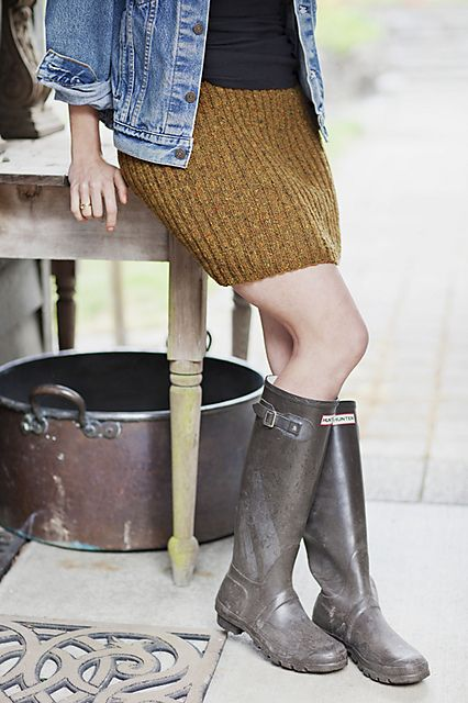 Ravelry: churchmouseyarns' Short Ribbed Pencil Skirt