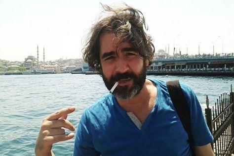 Wir fordern die Freilassung von Deniz Yücel und aller anderen inhaftierten Journalisten in der Türkei. Gleichzeitig möchten wir an Einschränkungen der Pressefreiheit in Deutschland und der EU erinnern, mit denen sich - bei veränderter politischer Lage - ähnliche Vorwürfe konstruieren lassen