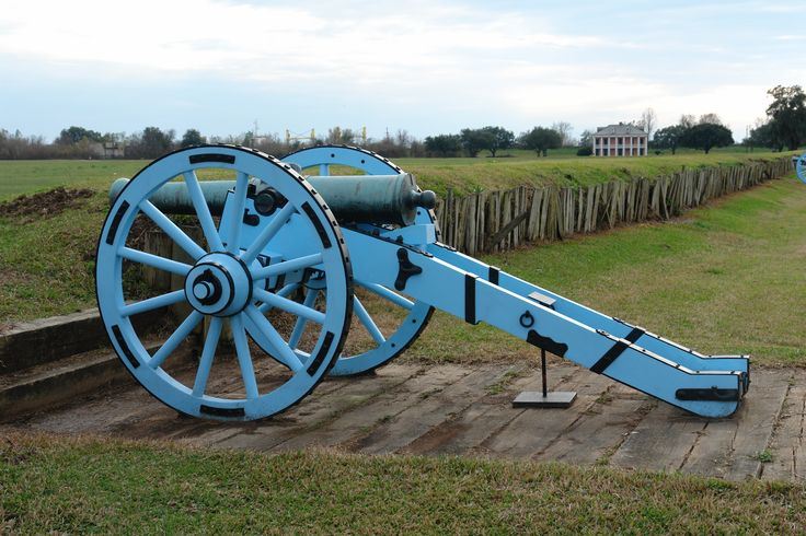 Blue cannons on the American line. 200 years ago on January 8, the most important battle in US history was fought in New Orleans.