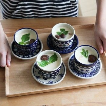 茶碗蒸しをつくるときにもおすすめのそば猪口は、おそろいの受け皿も揃えておくと可愛い食卓を演出できますよ*