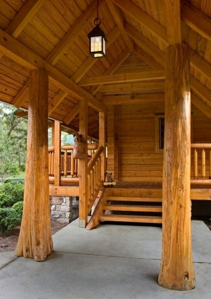 Pictures Of Rustic Columns & Poles Inside Log Homes