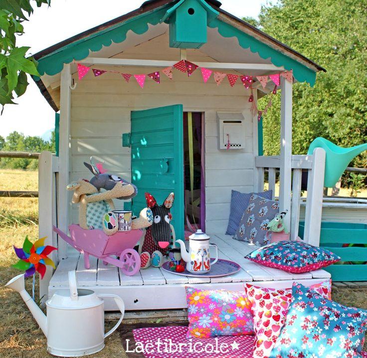 die besten 25 holzspielhaus ideen auf pinterest kinderfestungen kinder outdoorspielh user. Black Bedroom Furniture Sets. Home Design Ideas