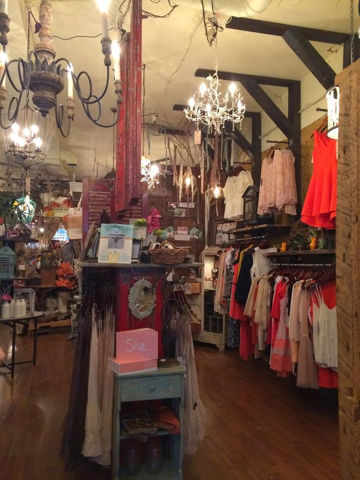Thrift and Shout: My Guide to Exploring Nashville in 3 Days; Philanthropy store in Franklin, Tennessee