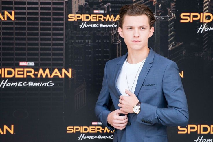 Weekend Box Office July 14-16, 2017 Spider-Man: Homecoming $45 million in its second weekend. Wonder Woman is set to surpass Harry Potter and the Deathly Hallows Part 2 to become the third highest-grossing Warner Bros Movie Domestically. - 「スパイダーマン : ホームカミング」が公開10日めにして、2億ドル超えの記録を達成し、トムがライバルの「ワンダーウーマン」を追う一方、ガル・ガドットは、まさかの「ハリポタ」超えが確定し、ついにワーナー・ブラザース史上3番めのワンダー・メガヒットにまで爆発  - 映画 エンタメ セレブ & テレビ の 情報 ニュース from CIA Movie News / CIA こちら映画中央情報局です